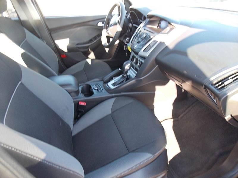 2014 Ford Focus SE 4dr Sedan - Otsego MI