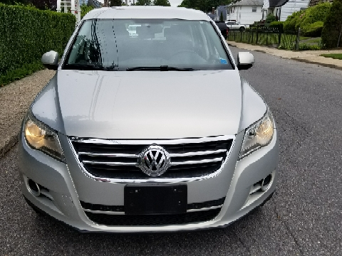 2010 Volkswagen Tiguan for sale in Uniondale, NY