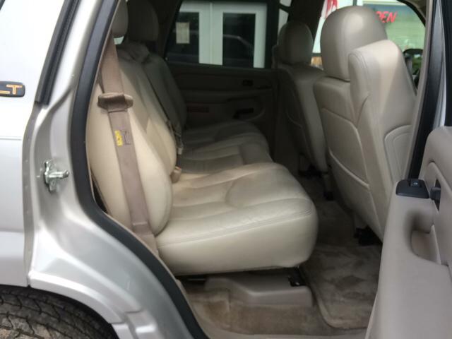 2004 Chevrolet Tahoe LT 4WD 4dr SUV - Twin Lake MI