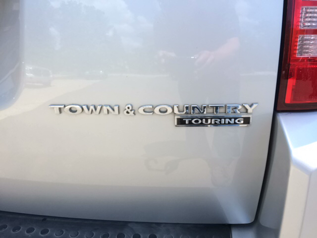 2010 Chrysler Town and Country Touring 4dr Mini-Van - Twin Lake MI