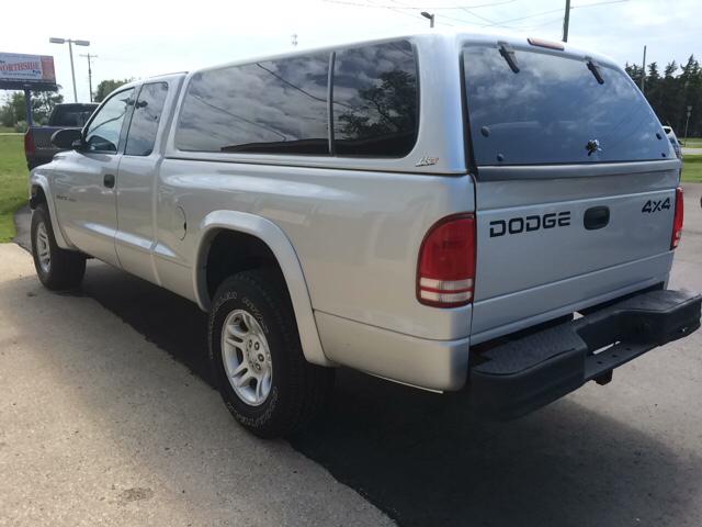 2002 Dodge Dakota Sport 2dr Club Cab 4WD SB - Twin Lake MI