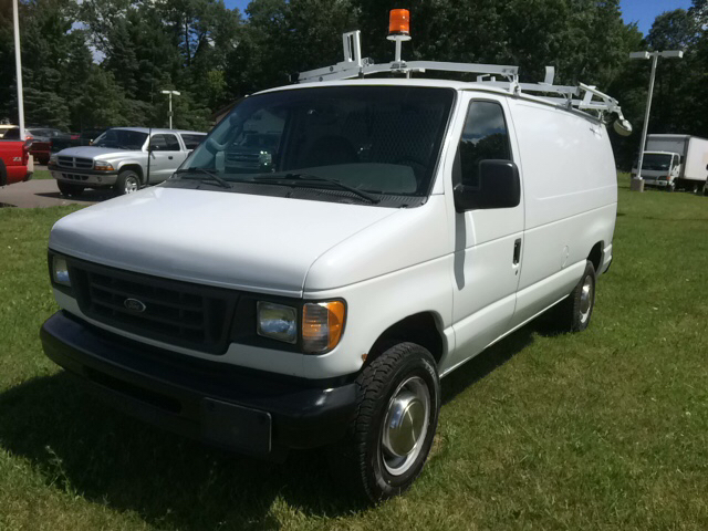 2003 Ford E-Series Cargo E 250 3dr Cargo Van - Twin Lake MI
