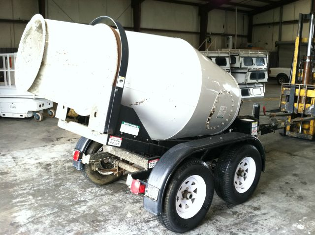 2007 Ernest Industries Concrete Mixer Pull Behind Mixer In