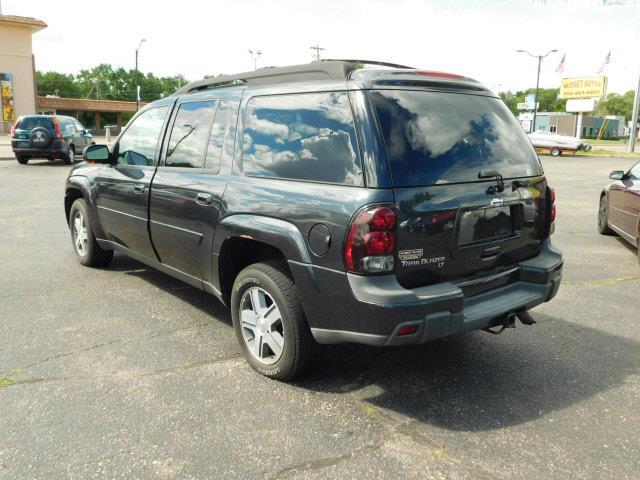 2005 Chevrolet TrailBlazer EXT LT 4WD 4dr SUV - Shakopee MN