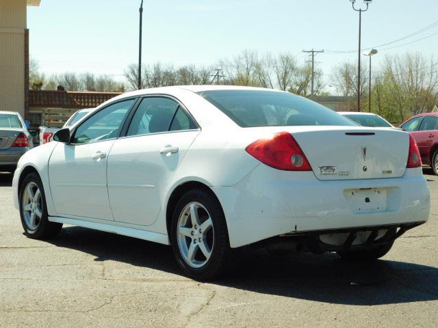 2010 Pontiac G6  - Shakopee MN