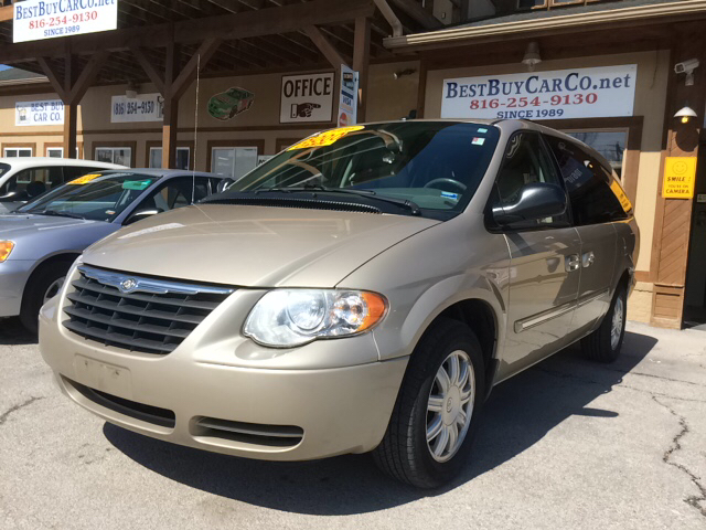 2006 chrysler town and country touring 4dr ext minivan in sugar creek kansas city independence. Black Bedroom Furniture Sets. Home Design Ideas