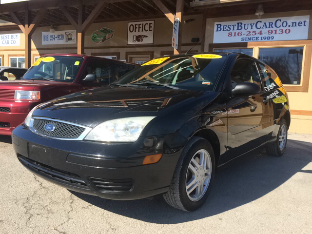2006 ford focus zx3 se 2dr hatchback sugar creek mo. Black Bedroom Furniture Sets. Home Design Ideas
