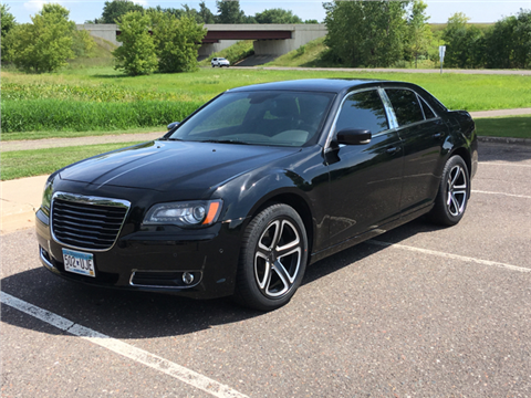 2013 Chrysler 300 for sale in Cambridge, MN