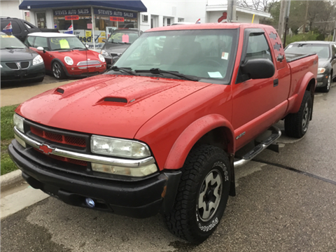 2002 Chevrolet S-10 for sale in Madison, WI