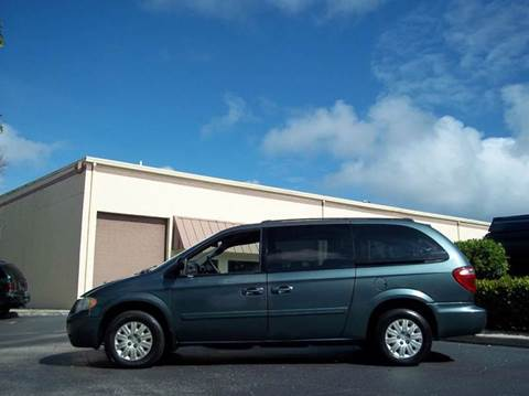 2005 Chrysler Town and Country for sale in Boynton Beach, FL