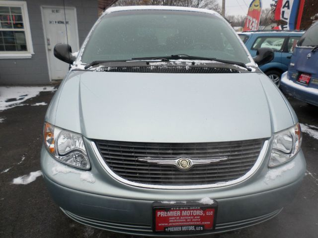 2002 Chrysler Town and Country for sale in Milwaukee WI