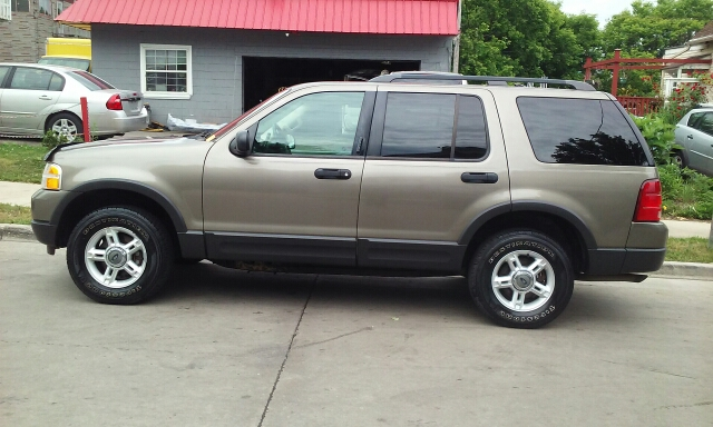 2003 Ford Explorer Awd Xlt 4dr Suv In Milwaukee Wi