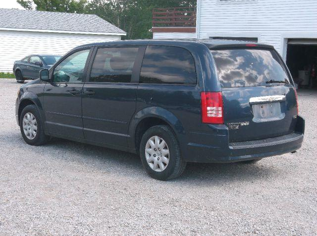 2008 Chrysler Town and Country LX Mini Van Passenger - Hartsgrove OH