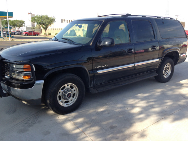 2000 gmc yukon xl 2500 sle 4dr 4wd suv in lubbock tx. Black Bedroom Furniture Sets. Home Design Ideas