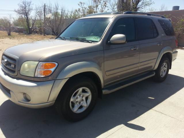 2002 toyota sequoia sr5 2wd in lubbock tx first choice. Black Bedroom Furniture Sets. Home Design Ideas
