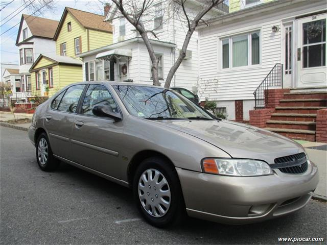 2001 nissan altima gle 4dr sedan in belleville nj. Black Bedroom Furniture Sets. Home Design Ideas