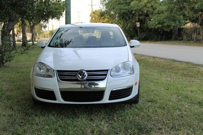 2010 Volkswagen Jetta S 4dr Sedan 6A - Fort Lauderdale FL