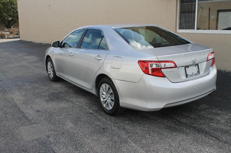 2014 Toyota Camry SE 4dr Sedan - Fort Lauderdale FL