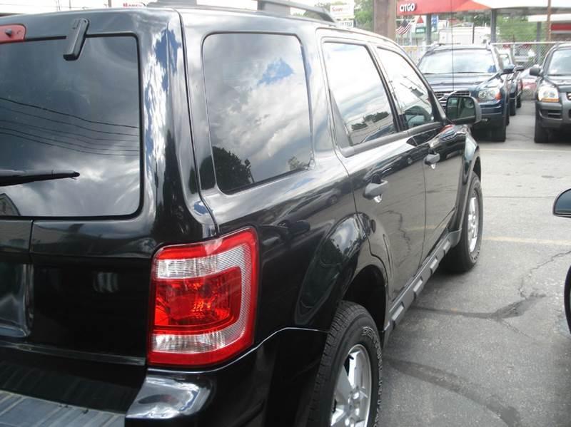 2010 Ford Escape AWD XLT 4dr SUV - Johnston RI