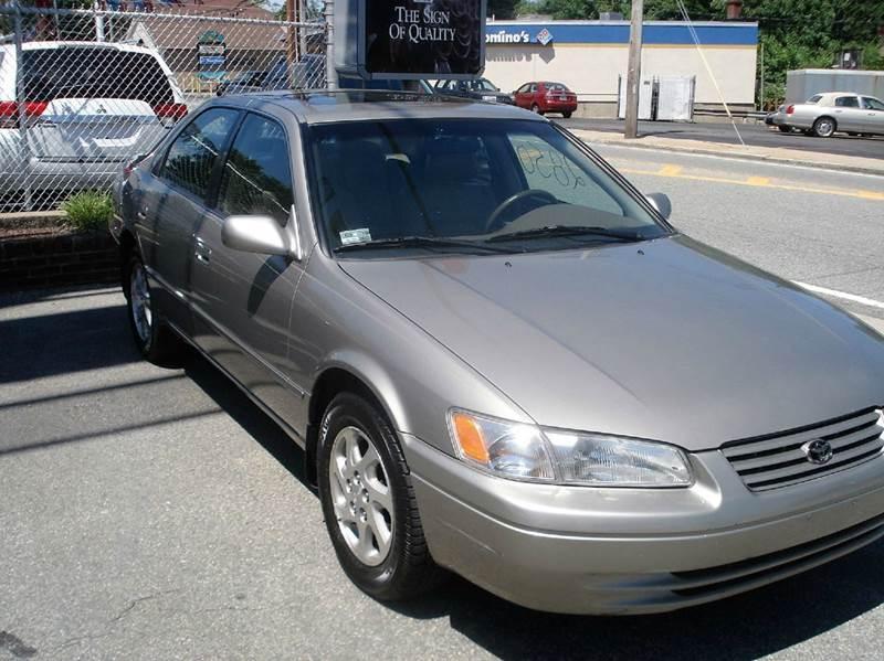 1999 Toyota Camry XLE V6 4dr Sedan - Johnston RI