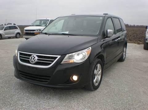 2012 Volkswagen Routan for sale in Auburn, IL