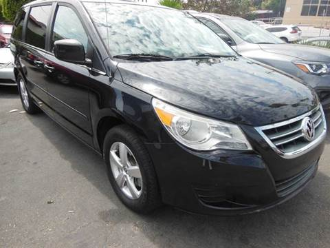 2010 Volkswagen Routan for sale in San Clemente, CA