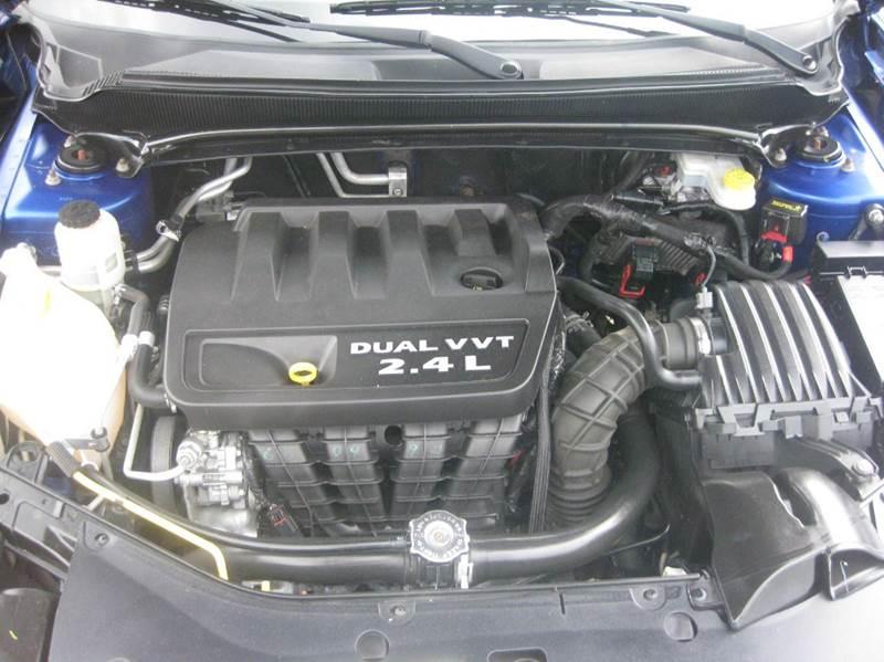 2013 Dodge Avenger SXT 4dr Sedan - Marietta GA