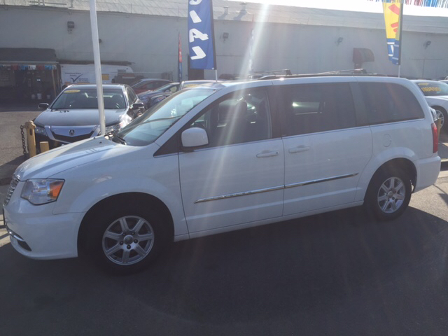 2012 chrysler town and country touring 4dr mini van in livingston ca. Cars Review. Best American Auto & Cars Review