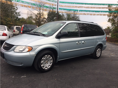 2001 Chrysler Town and Country for sale in Cambridge, OH