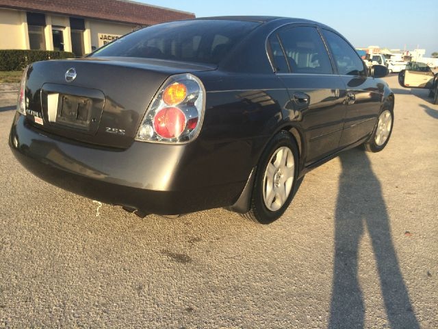 2004 nissan altima for Affordable motors lebanon in