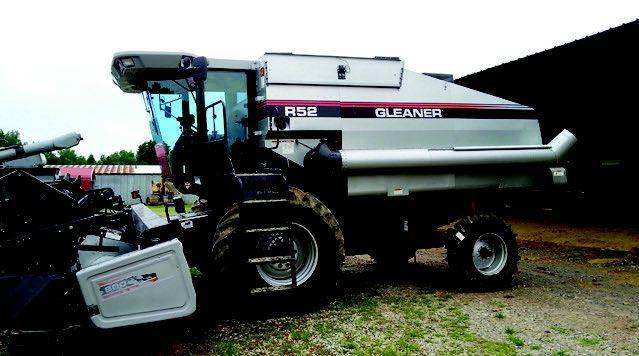 1998 Gleaner R52