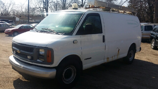 1999 Chevrolet Express for sale in LANSING MI