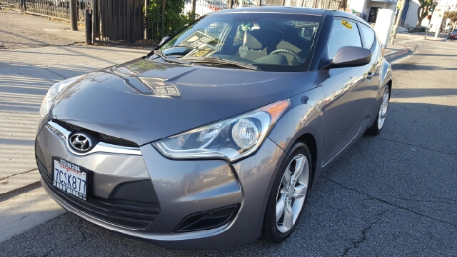 2012 Hyundai Veloster Base 3dr Coupe w/Black Seats - Los Angeles CA