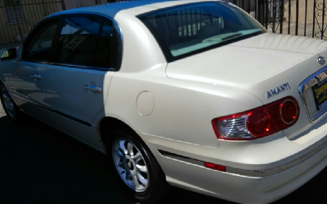2004 Kia Amanti 4dr Sedan - Los Angeles CA