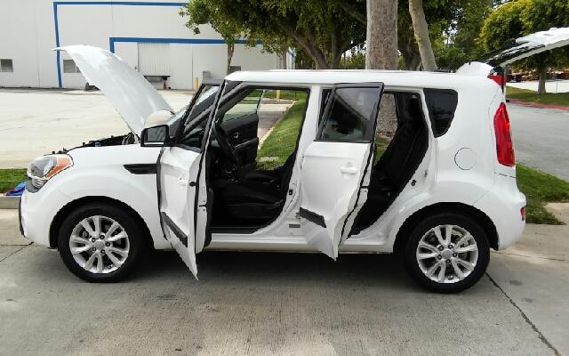 2012 Kia Soul + 4dr Wagon 6A - Los Angeles CA