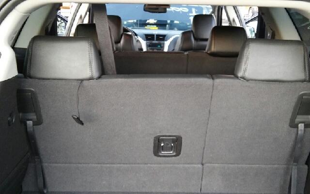 2010 Chevrolet Traverse LT 4dr SUV w/2LT - Los Angeles CA