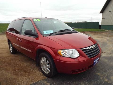 2006 Chrysler Town and Country for sale in Canton, SD