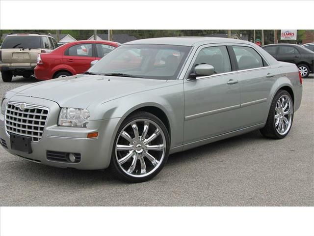 2006 CHRYSLER 300 for sale in Smithfield NC