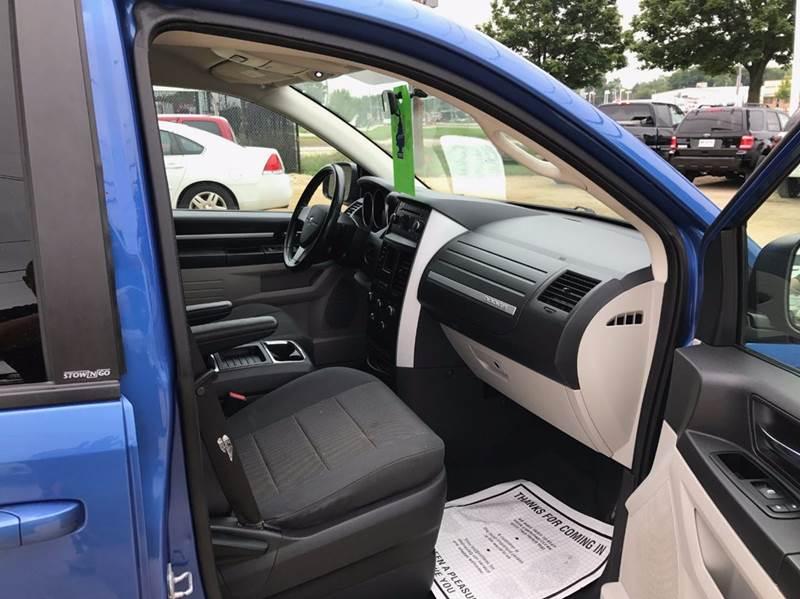 2008 Dodge Grand Caravan SXT Extended Mini-Van 4dr - Madison WI