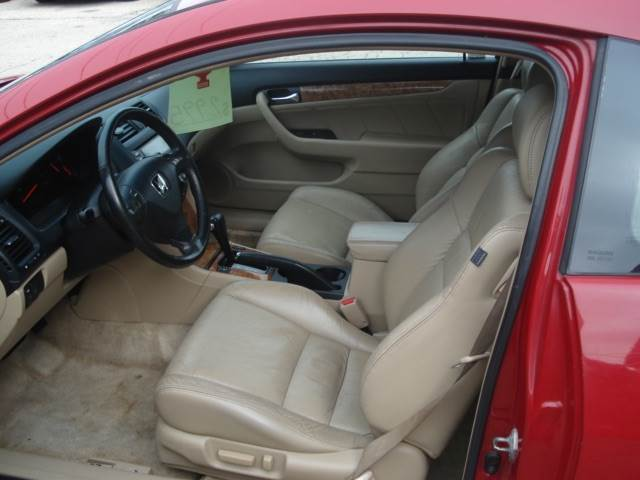 2004 Honda Accord EX 2dr Coupe w/Leather - Madison WI