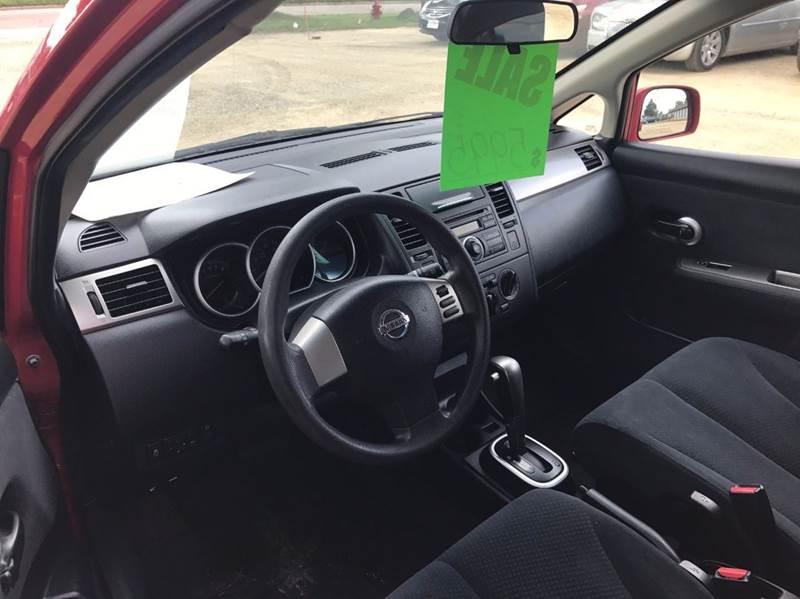 2010 Nissan Versa 1.8 S 4dr Hatchback 4A - Madison WI