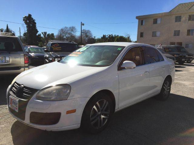 2006 VOLKSWAGEN JETTA 25 PZEV 4DR SEDAN 25L I5 6A white we have thousand of satisfied custome