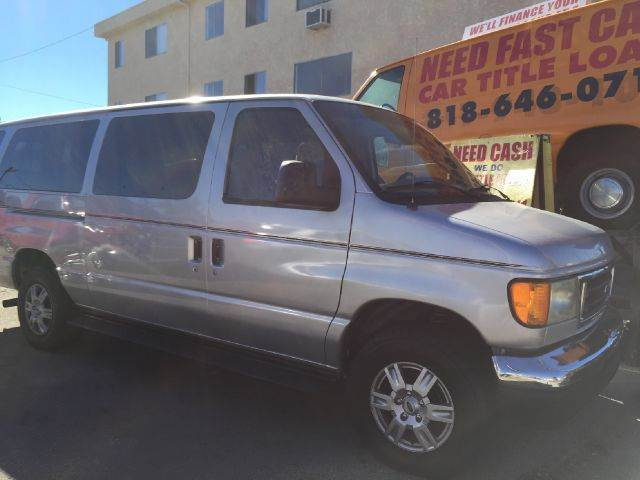 2004 FORD E-SERIES WAGON E-350 SD XLT 3DR EXT VAN we have thousand of satisfied customer with rat