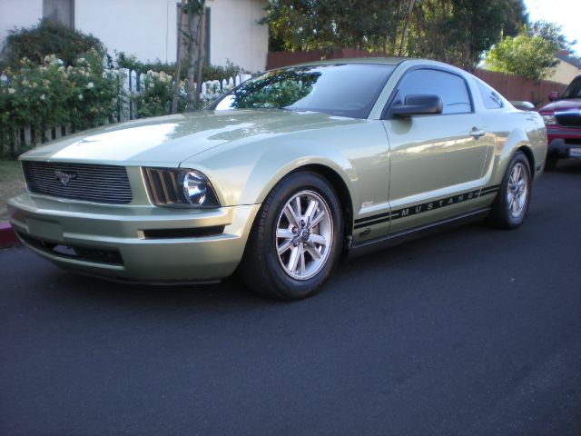 2005 FORD MUSTANG V6 DELUXE 2DR COUPE unspecified alloy wheels center console - front console wit