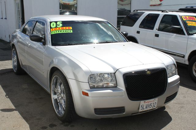 2005 CHRYSLER 300 BASE silver air conditioningamfm radioanti-brake system non-abs  4-wheel ab
