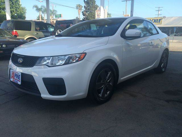 2010 KIA FORTE KOUP EX 2DR COUPE 5M white abs - 4-wheel active head restraints - dual front air
