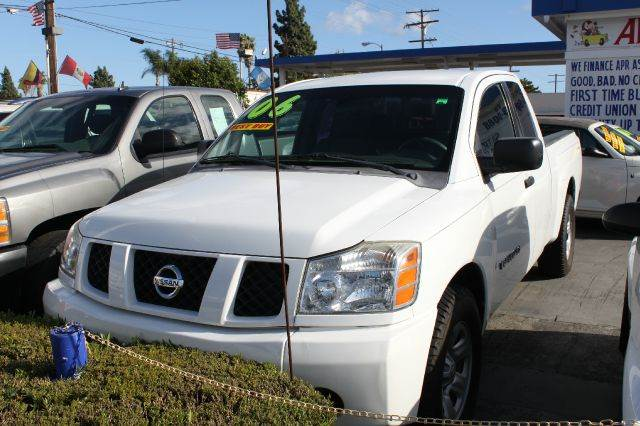 2006 NISSAN TITAN LE 4DR KING CAB SB white abs - 4-wheel adjustable pedals - power antenna type