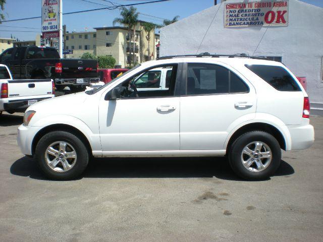 2005 KIA SORENTO LX 4WD 4DR SUV white 16 inch wheels alloy wheels axle ratio - 467 center cons