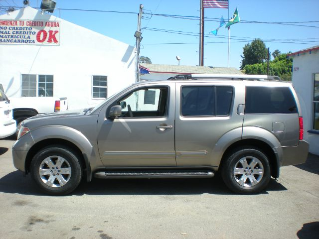 2005 NISSAN PATHFINDER LE 4DR SUV gold abs - 4-wheel adjustable pedals - power alloy wheels ant