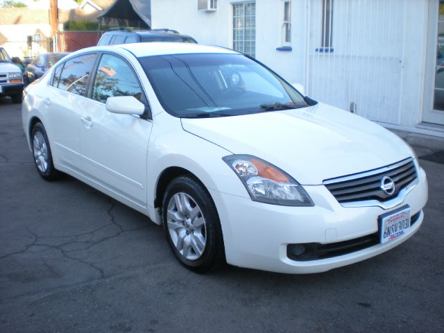 2009 NISSAN ALTIMA 25 S 4DR SEDAN CVT white the special price is in cash only plus fees 2-stage u